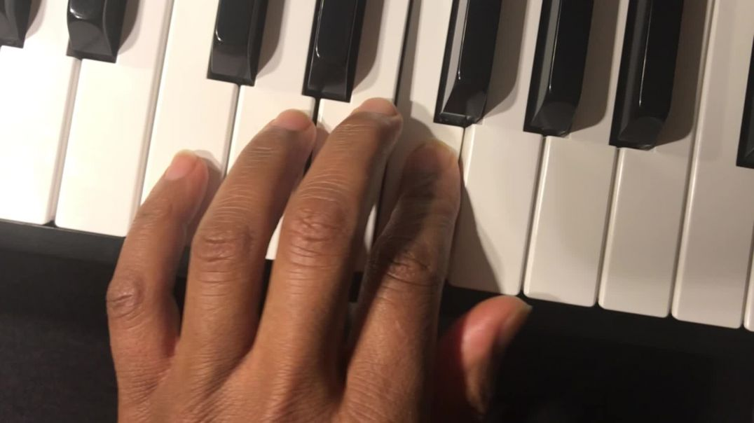 Technolokeys official lesson video #9 Play a quarter note (after warm up and #8)